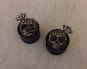 "5/8"" Hematite Jeweled Skull Queen Plugs, Double Flared Tunnels"