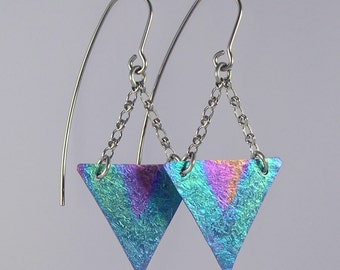 Tricky Triangles niobium earrings