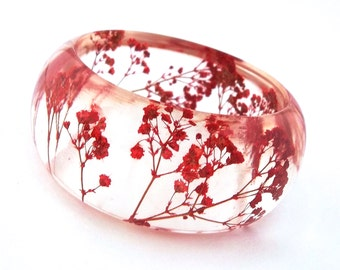 Size Medium Red Resin Bangle.  Pressed Flowers.  Red Baby's Breath.  Resin Jewelry. Personalized Gift. Engraved Mom.  Resin Bracelet