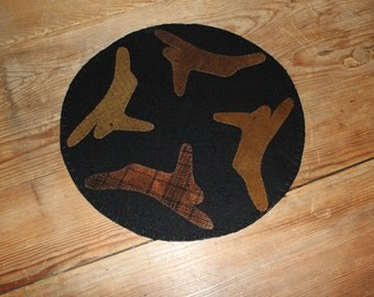 Primitive wool bunny candle mat