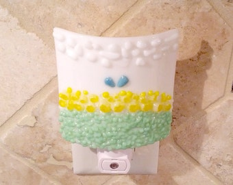 Night Light, White with Decorative Yellow Flowers, Stained Glass