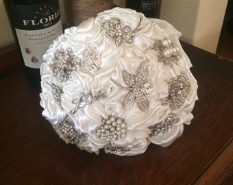Ivory Wedding Bouquet-Vintage Style Fabric and Brooch Bouquet-Alternative Bridal Bouquet-Ivory Crystal diamante Bouquet-Heirloom Bouquet