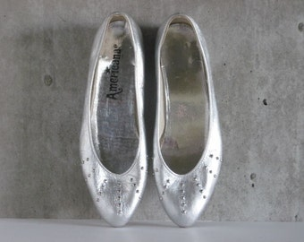 80s VINTAGE Americanas silver leather flats studded size 7B
