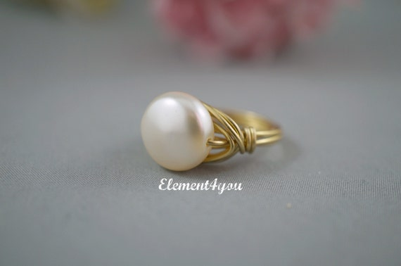 Wire wrapped ring, Swarovski coin pearl Ring, Ivory Cream White pearl, Silver Gold Copper Bronze Gunmetal wire wrappping CUSTOM SIZE