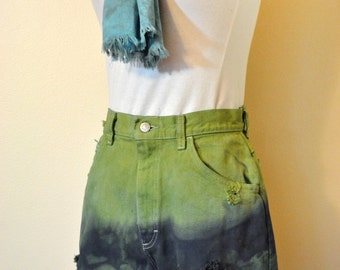 Green Sz 10 Lee Denim Cutoff SHORTS - Ombre Dyed Green Navy Blue  Denim High Waist Cut Off Shorts - Adult Womens Size 10 (28 Waist)
