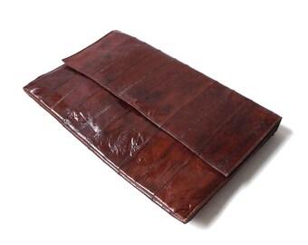 vintage 1970's eel skin purse clutch dark brown womens fashion handbag shoulder bag mid century retro animal leather accessories accessory
