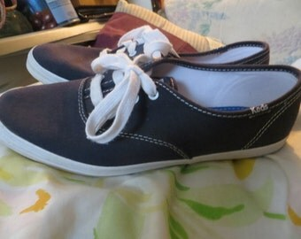 vintage navy blue canvas womens Keds sneakers   sz 8