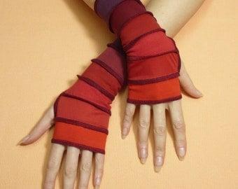 Short Fingerless Gloves Red Burgundy Shades Boho Bohemian Segmented Traveler Armwarmers with Thumb Holes, Comfortable Sleeves Armstulpen