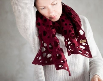 Dark red felted scarf for women, merino wool burgundy shawl, marsala lace neck warmer perfect gift for birthday