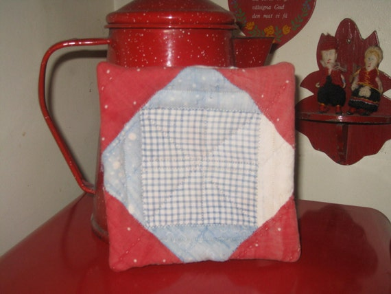 Quilt Pot Holder Doll Quilt Cutter Quilt Early Fabrics Calico Primitive Hand Stitched Cup Coaster Mini Quilt 1800s