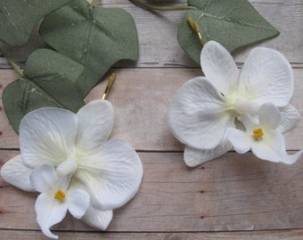 Hawaiian WHITE Orchids SET OF 2 bobby pins flowers-hair clips - Weddings
