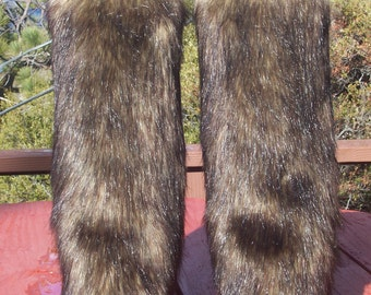 LegVogue Classy Faux Fur Leg Muffs
