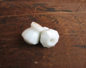 FREE SHIPPING Vintage SINGLE Milk Glass Knob E2020