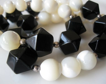 Vintage Mother Of Pearl Black Onyx & Silver Bead Black White Necklace