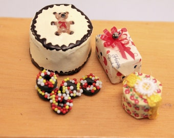 Miniature Dollhouse Party Birthday Gifts Teddy Cake Donuts