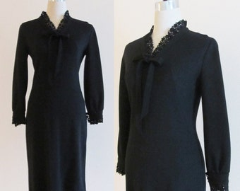 Vintage 1950's Jonathan Logan Hourglass Dress / Black Bow Formal Black Wiggle Dress / Lace Trim Bombshell Party Dress / Size Small (4/6)