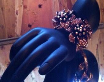 Vintage bracelet flower