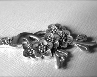 LAST CALL SALE Vintage Hair Pin Accessories / Repousse Vintage Hair Piece / Pony Tail Accessories / Hair Ornament / Vintage Ornate Hair Pin