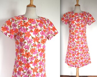 Vintage 1960's Dress // 60s Pink and Orange Floral Print Summer Shift Dress