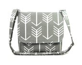 Gray Arrow Purse, Small Messenger Bag for Women, Handmade Gray Pocketbook, Gray White Fabric Shoulder Bag, Cross Body Bag, Crossbody Purse