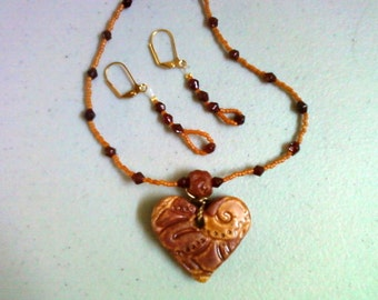 Burgundy and Burnt Orange Necklace and Earrings (0711)