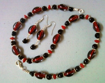 Red and black necklace and earrings (0361)