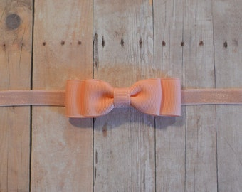 Peach Baby Bow Headband. Peach Hair Bow on Elastic Headband. Peach Baby Headband. Baby Hair Accessories. Baby Girls Hair Accessories