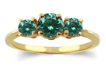 green diamond ring  14K yellow gold