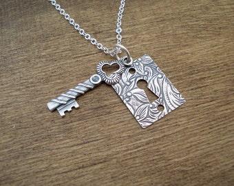 ON SALE Lock and Key Necklace Silver Necklace Collier Argent Clé et Serrure Fleurie