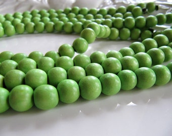 WOOD Beads in Lime Green, Round, 8mm, 1 Strand 16 Inches, Approx 48 Beads, Dyed, Waxed, WB111