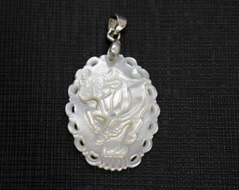 Beautiful White Mother of Pearl Shell Oval Pendant Carved Cow