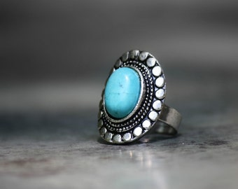 Bold Oval Turquoise Ring, Statement Ring, Antique Silver Adjustable Ring, Cocktail Fashion Rings, Blue Ring, Stacking Ring, Hipster Rings