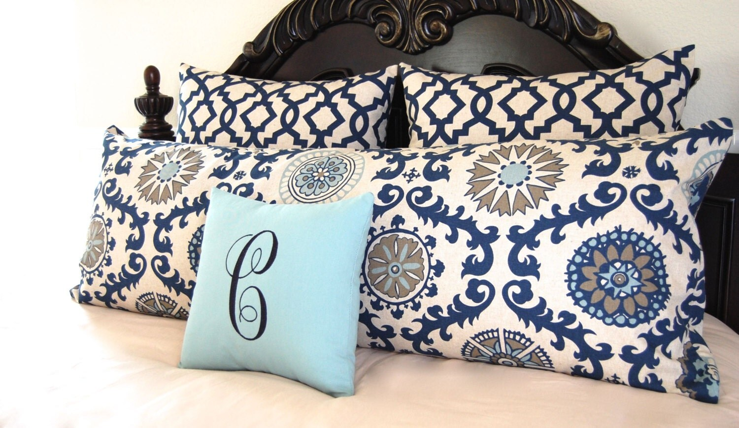 Blue decorative bed pillows -  Zoom