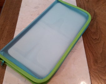 SALE Vintage Zippered CD Case Plastic Foamy Trim Blue and Green Plastic and Cloth Slots