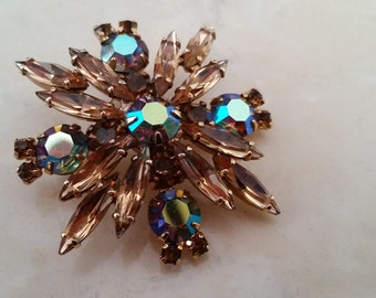 Vintage Brooch Pin Gold Tone Iridescent and Pale Yellow Rhinestones 1950s
