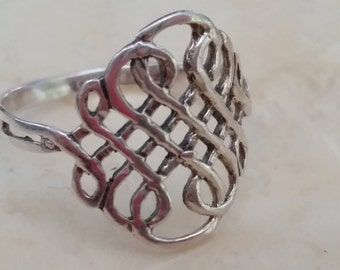 Vintage Sterling Silver Celtic Keltic Knot Band Ring 1990s 925 Women Irish Wiccan Pagan Size 8.75