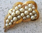 "Vintage Gold & Pearl signed 'CHARE' Leaf Brooch Pin 2-3/4"" - RARE Excellend Condition"