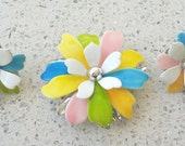 Vintage signed 'Sarah Coventry' White Yellow Blue Green Pink Brooch Earrings Set