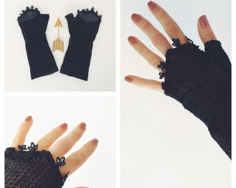 Antique Black Lace Fingerless Gloves