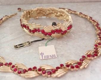 Red Rhinestone Set Trifari Necklace Clamper Bracelet Gold Tone Spray Adjustable Vintage 082314GL