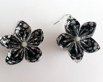 Black Kasudama Flower Earrings, Origami Flower Earrings, Origami Jewelry, Asian Earrings, Handmade Paper Jewelry, Black Flower Earrings
