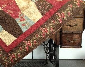 Double Chocolate Tumbler Quilt