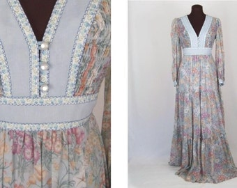 Vintage 70's Maxi Dress Floral Print Prairie Style Size XS / S Hippie Boho