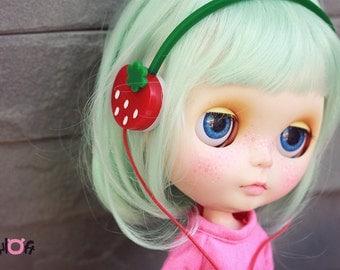 Blythe Strawberry  headphone