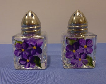 Hand Painted Mini Salt and Pepper Shakers Purple White Daisies Flowers