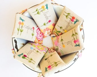 Bridesmaid Thank You Gifts, Set of 6 Personalized Wedding Clutches, Custom Made Bridesmaid Clutches, Spring Wedding MADE TO ORDER