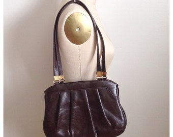 Vintage brown 1970s PLEATHER purse