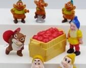 Miniature Disney elves gnomes mice chipmunk animals little people apple crate dollhouse shadowbox Disney Mattel 1993
