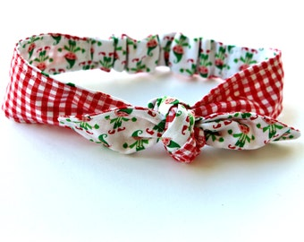 Baby Toddler Pre-tied Head Scarfs Christmas Elf Fabric over Red Gingham Baby Headband Hair Accessory Photo Prop