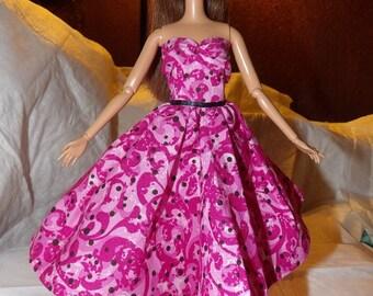 Fancy pink & white swirl dress with sweetheart neckline for Fashion Dolls - ed725